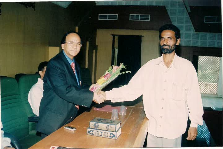 Hameed Sir being felicited by Br. Zaker1